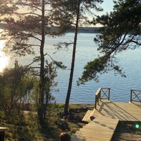 laituri ja järvi